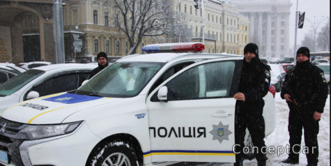 Чи обов'язково предявляти посвідчення водія завжди на вимогу поліції ?? Що чекати ?